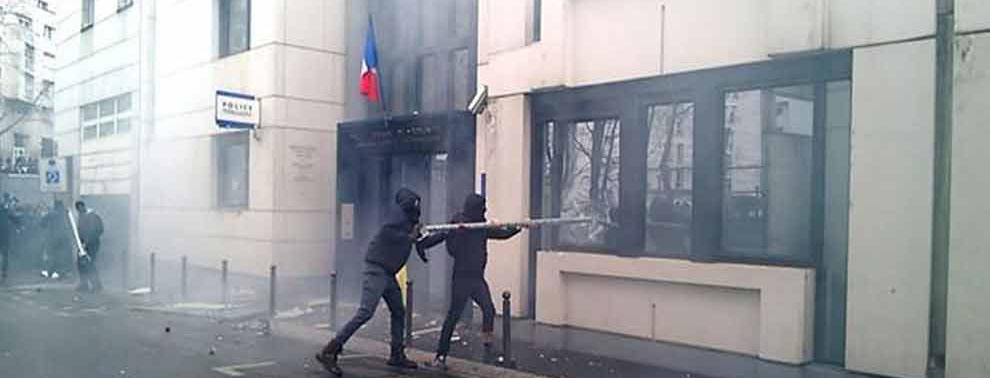 Video-of-cops-beating-teen-protester-sparks-outrage-in-France