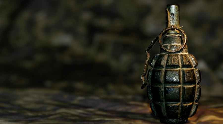 Hand-grenade,-submitted-as-proof,-explodes-in-Pakistan-anti-terrorism-court,-3-injured
