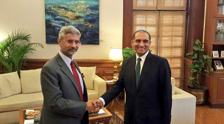 Foreign Secretary S Jaishankar and his Pakistani counterpart Aizaz Ahmed Chaudhry. (Source: Twitter/@MEAIndia)