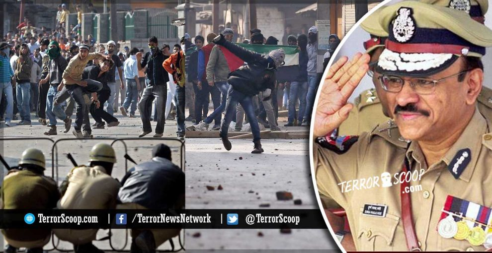 Kashmir-Sorry,-But-Pallet-Guns-are-Here-to-Stay-says-CRPF-Chief-on-terrorist-supporting,-stone-pelting-muslim-mob