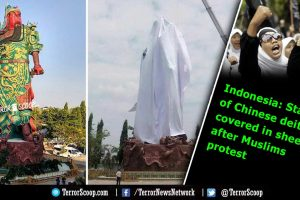 Indonesia: Statue of Chinese deity covered in sheet after Muslims protest